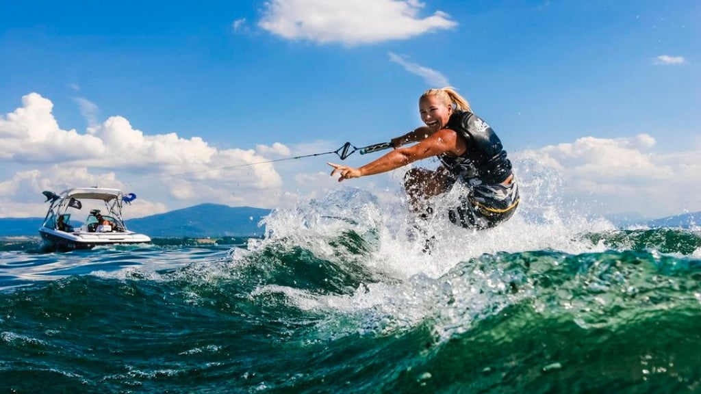 Top 10 SlingShot Wakeboards for 2017